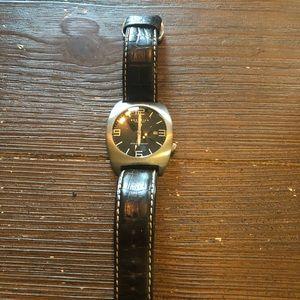 Men's watch.